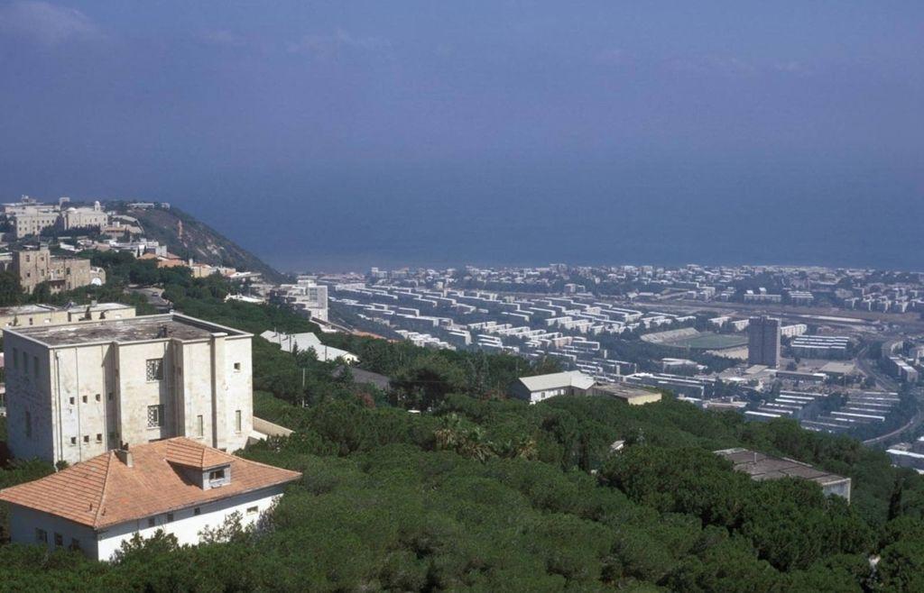 Вид на город и залив с улицы Яфе Ноф