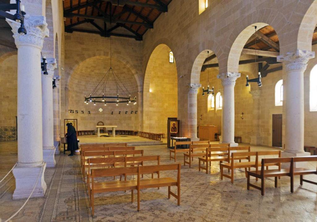 Интерьер Церкви Умножения Хлебов и Рыб