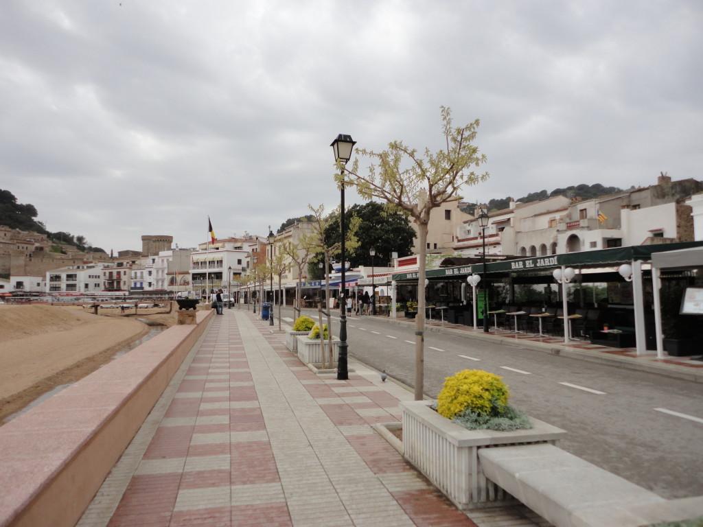 Набережная Passeig del Mar