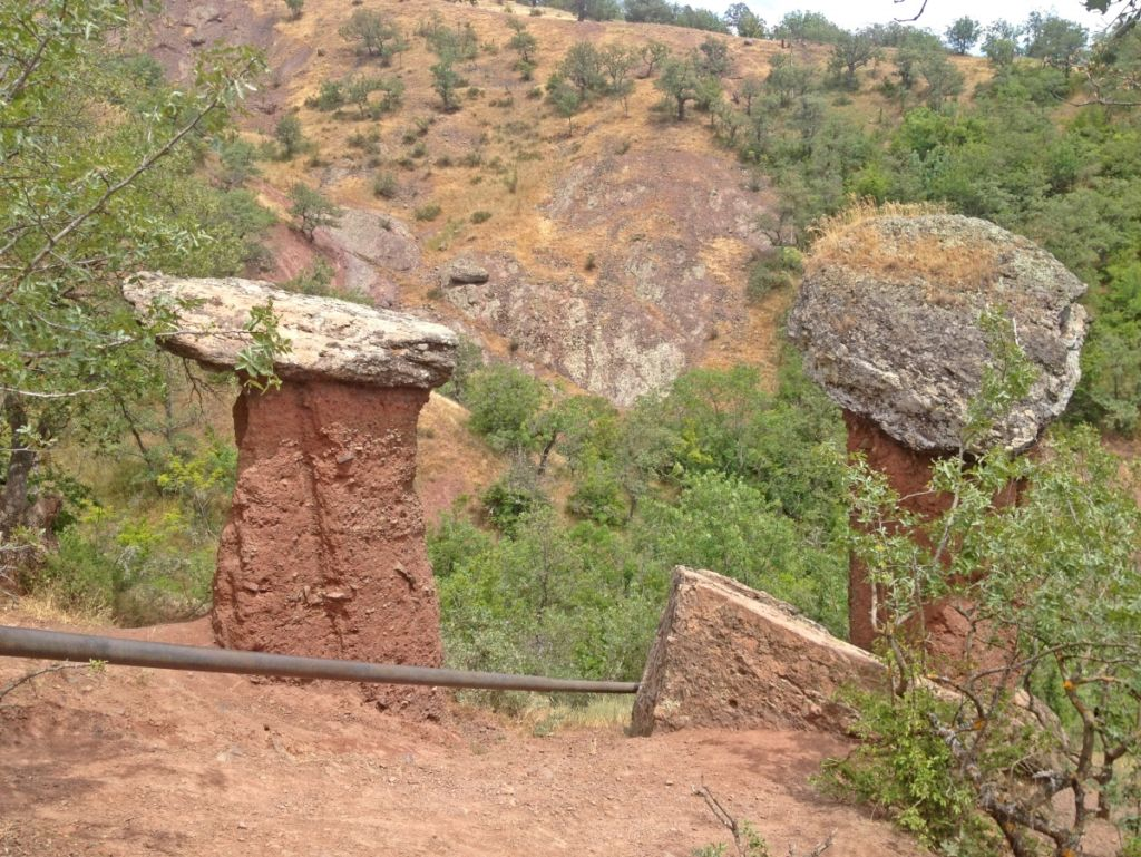 Каменные грибы (Долина Сотеры)