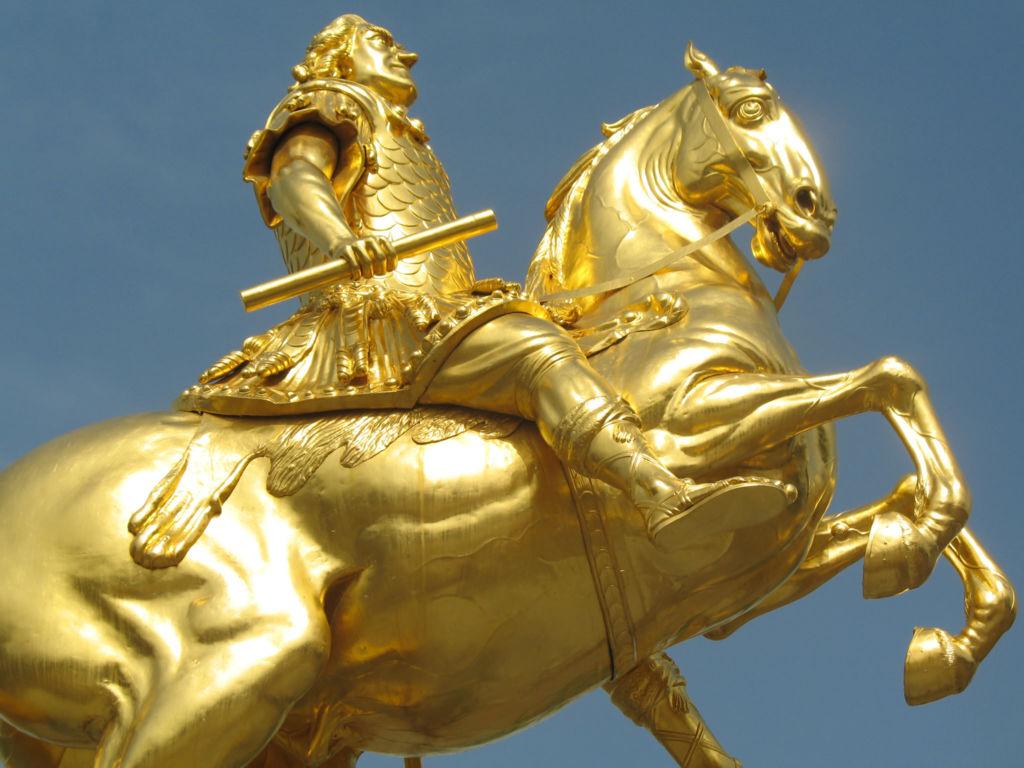 Золотой Всадник Дрездена. Золотой всадник — позолоченная конная статуя Августа Сильного, которая является одной из самых известных достопримечательностей Дрездена