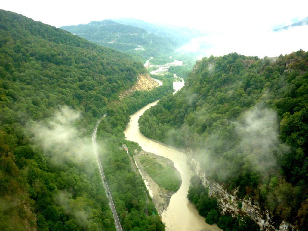 Самая длинная и полноводная река России из впадающих непосредственно в Чёрное море