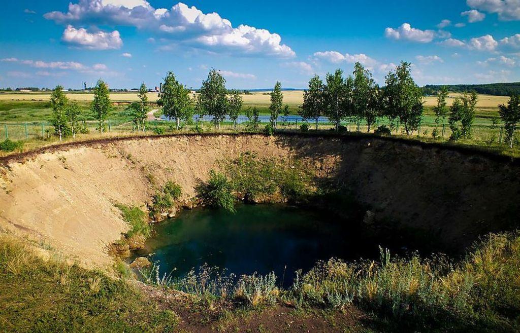 Карстовое озеро образовалось в 1930 году