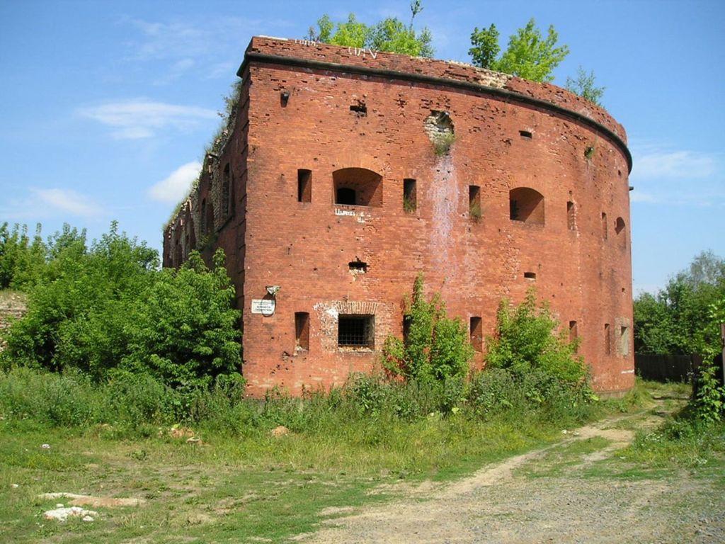 Воздвигнута крепость по указу Александра 1 в 1810 году