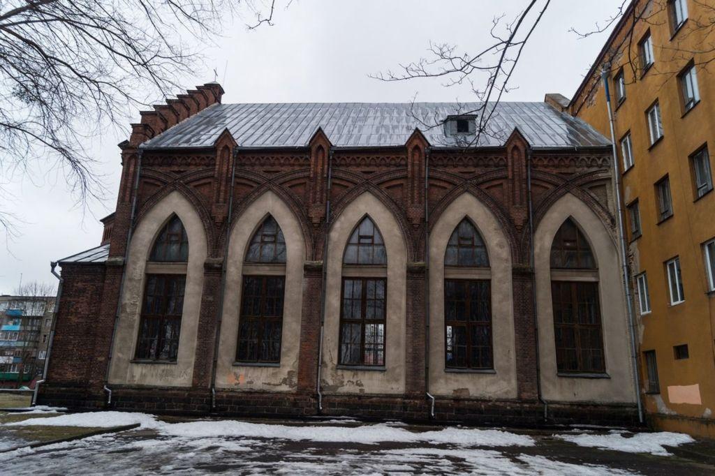 Реставрационные работы костела начались в 1989 году, а в 2012 году прихожан храма уже больше тысячи