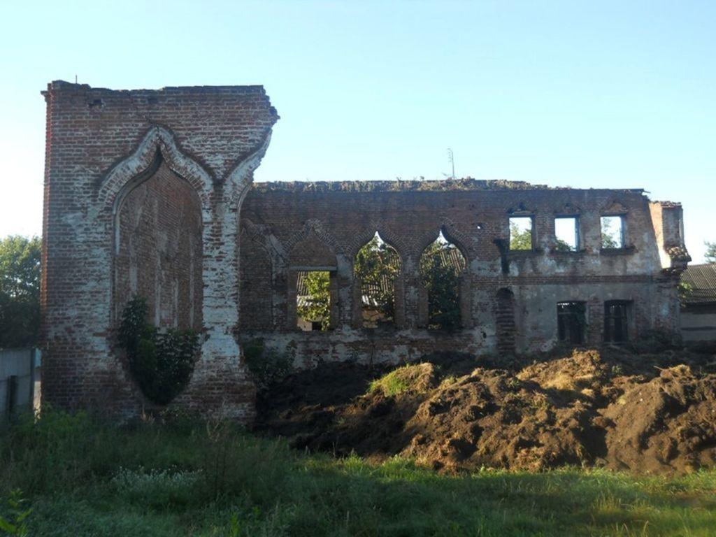 Руины синагоги на улице Чонгарской