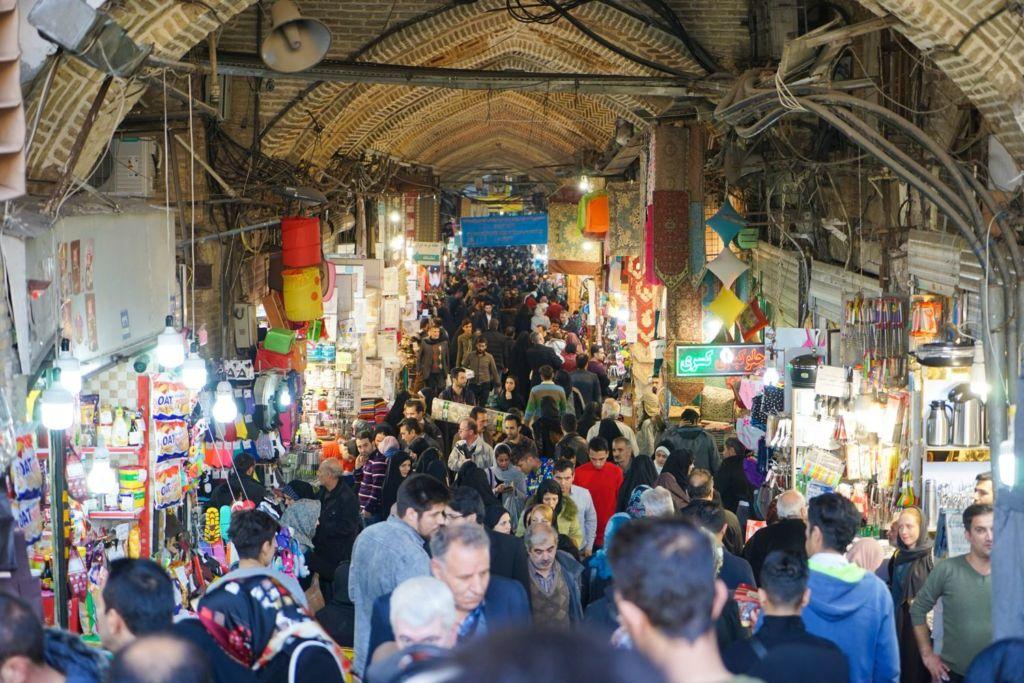 Гранд базар является обязательным визитом для любого туриста в Тегеране