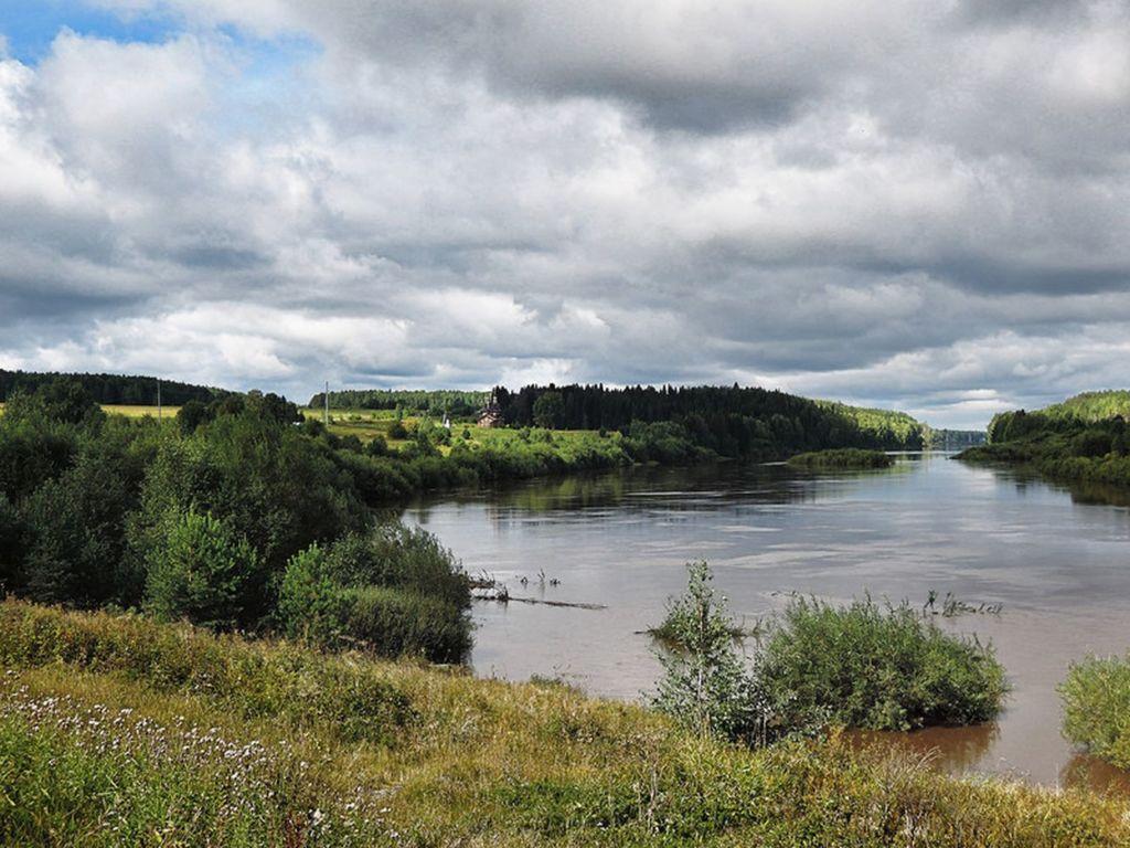 Название реки означает «Долгая», является левым притоком Тобола