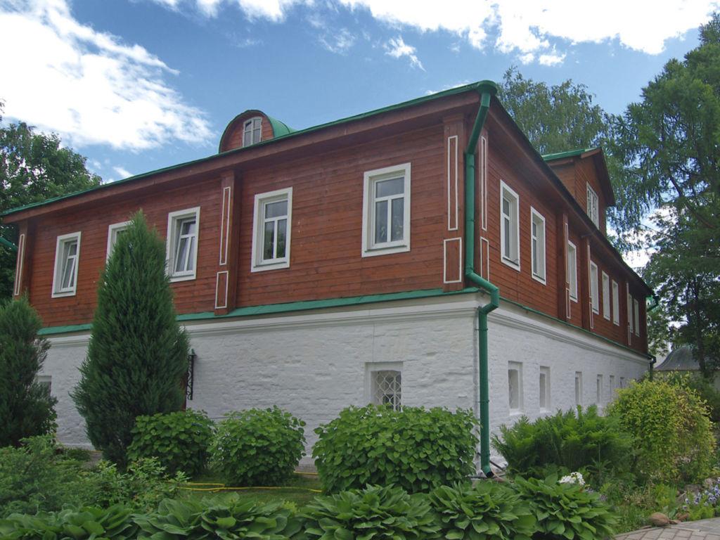 Дом настоятельницы монастыря