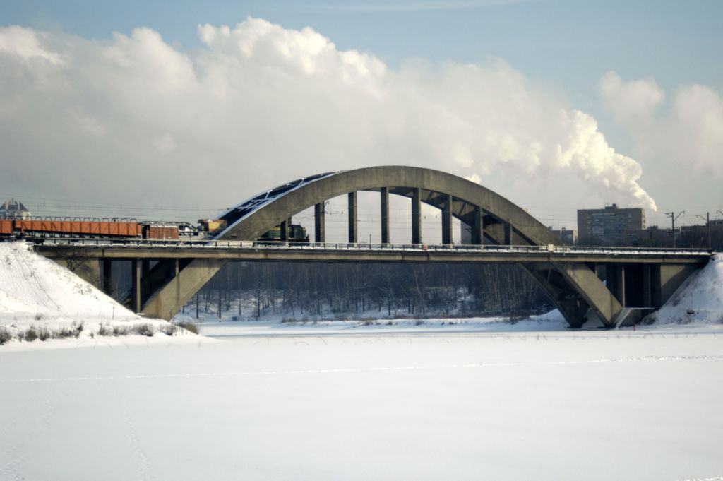Канал имени Москвы и мост через Химкинское водохранилище
