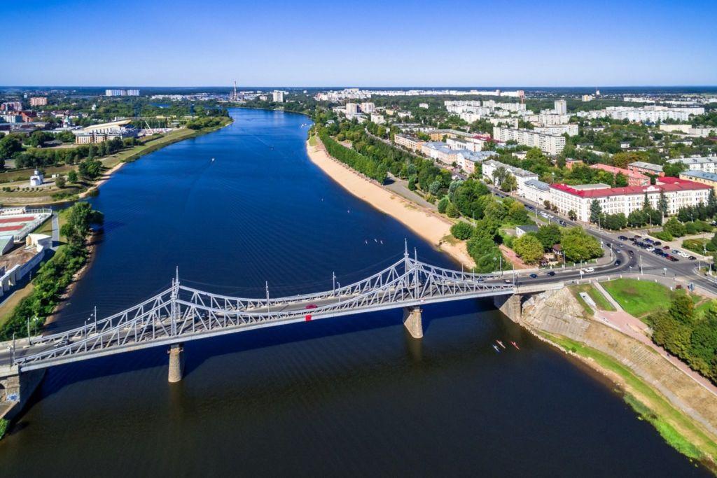 Мост издалека