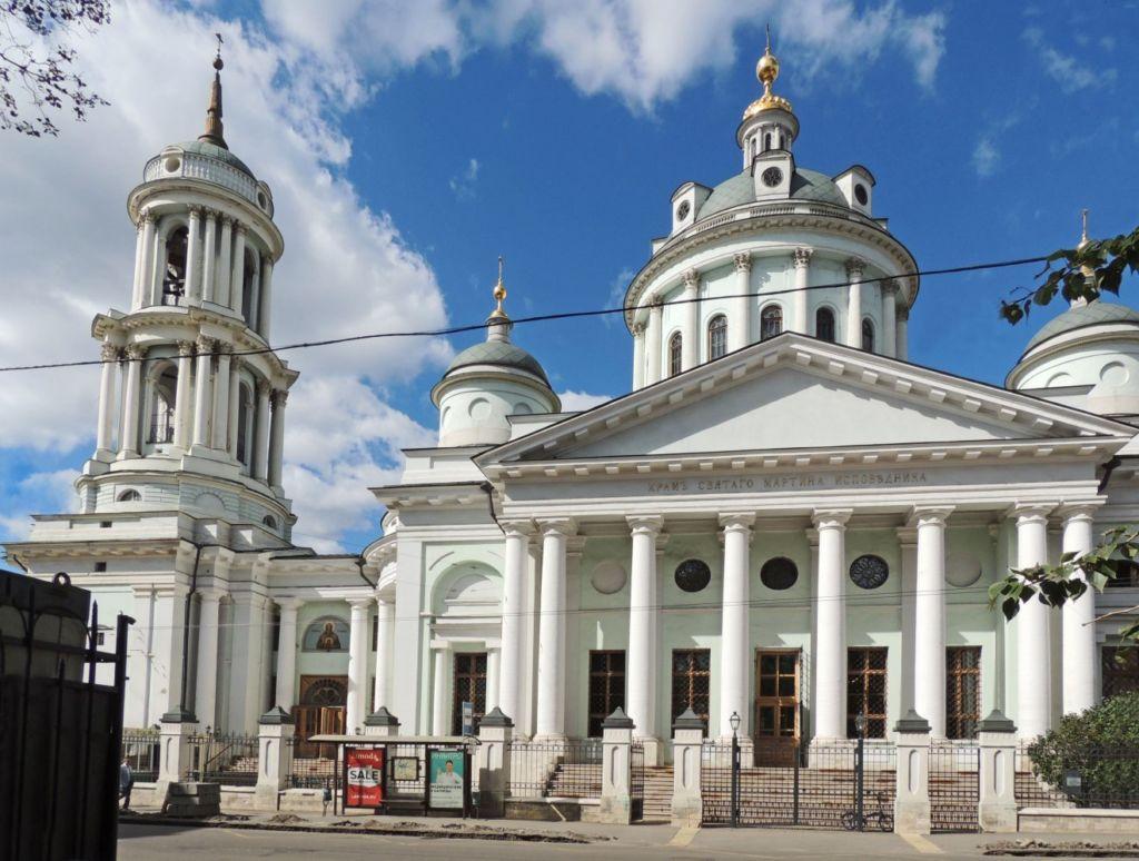 Точное время строительства каменного храма на данном месте неизвестно — предположительно 1502 год, в память о дате благословения Василия III на великокняжеское правление