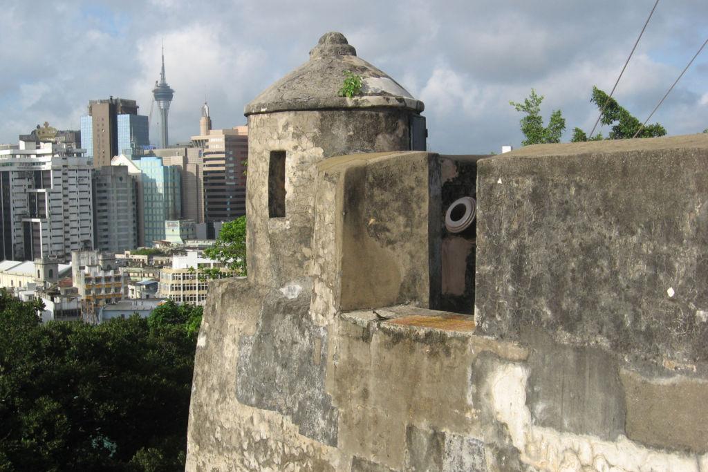 Крепость Fortaleza do Monte