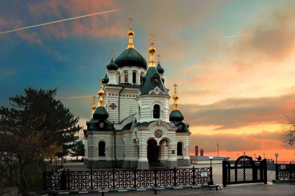 Постройка церкви осуществлена магнатом Кузнецовым