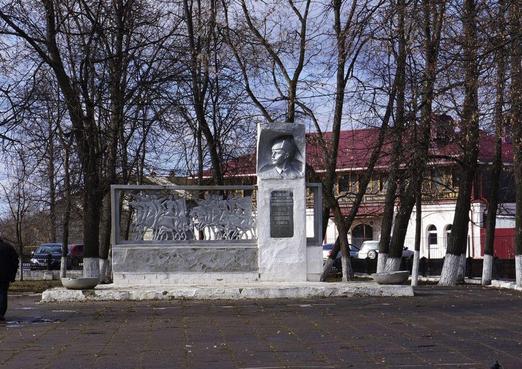 В сквере Патоличева проводятся разнообразные городские мероприятия