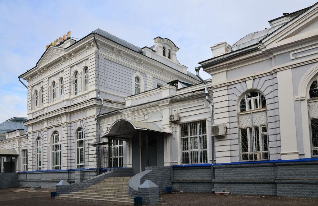 Железнодорожный вокзал Александрова вход