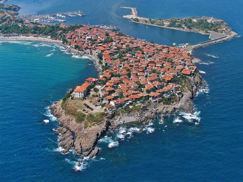 Прибрежные города болгарии дубай сколько лет городу