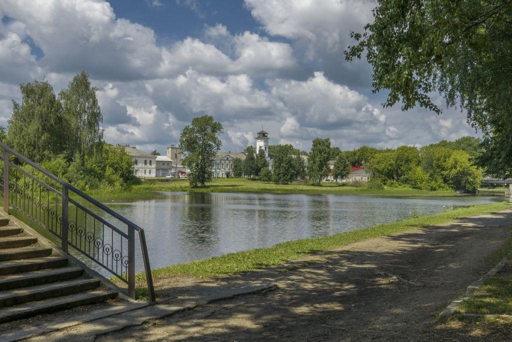 Парк основали в 1960 годах на островах, которые соединены мостами